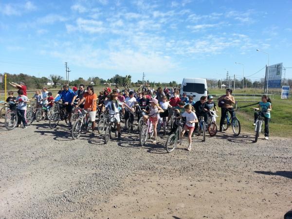 Exitosa edición de la tradicional bicicleteada patria